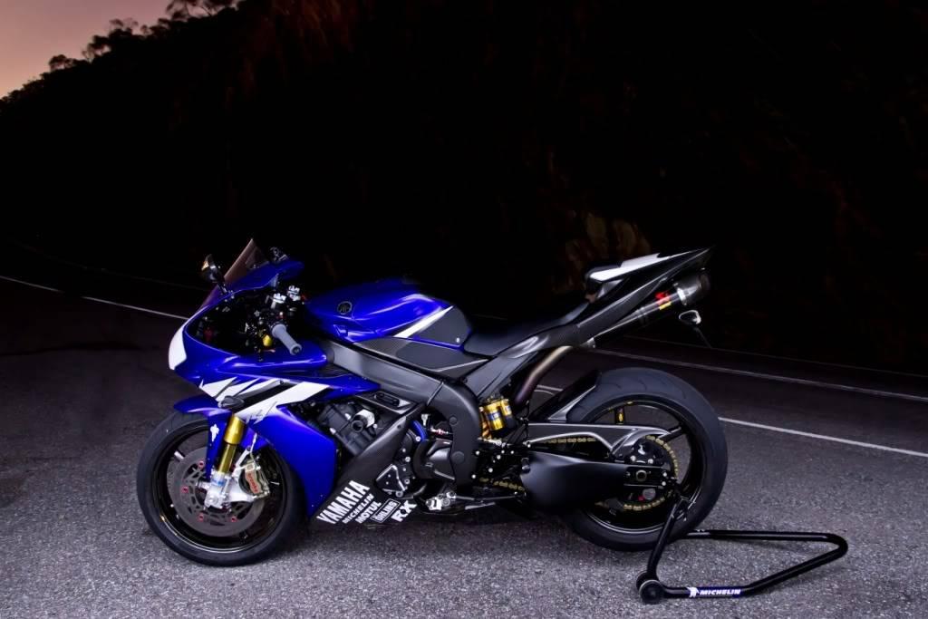 Yamaha 1000 R1 ... - Page 5 R1sidehighfinal