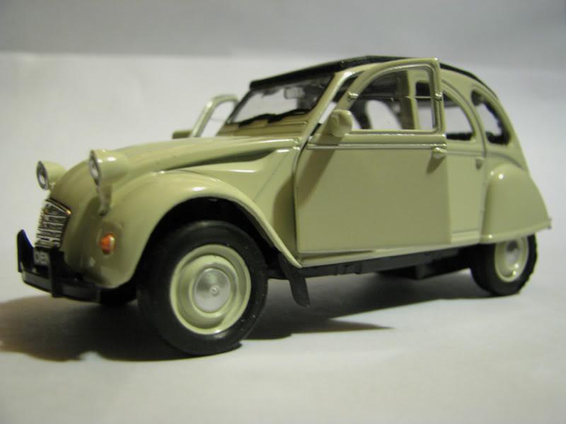 Nueva Coleccion La Tercera : Autos Clasicos (comienza e IMG_0475