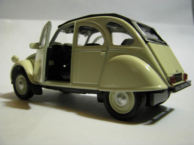 Nueva Coleccion La Tercera : Autos Clasicos (comienza e IMG_0476