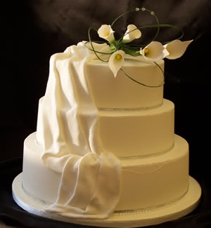 عيد ميلاد noor_alrahman2 Ivory-tower-creative-cake-design-2