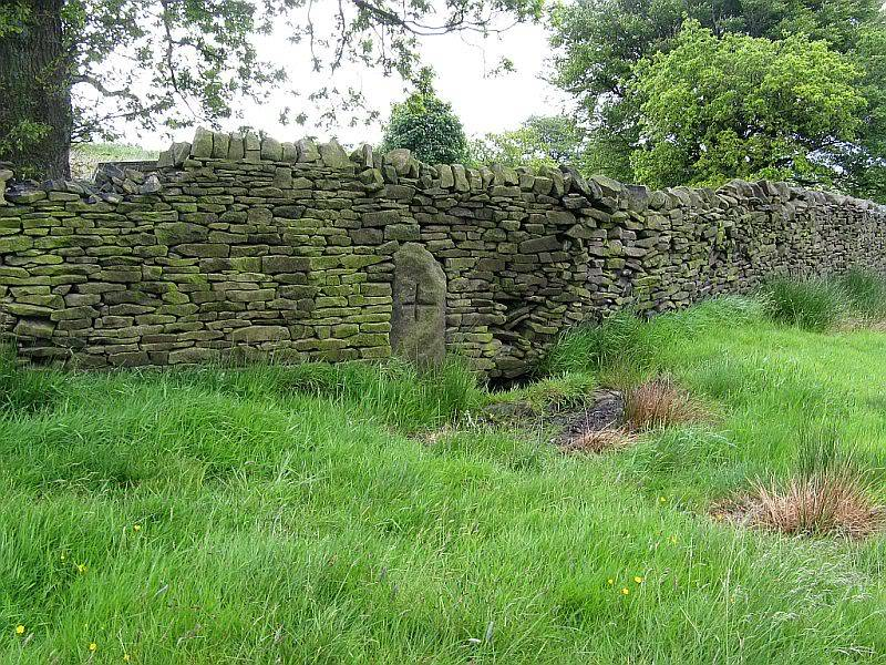 THE DISSENTERS' WELL & TOM'S CROSS, Kelbrook Moor, Lancs-Yorks Border. 13