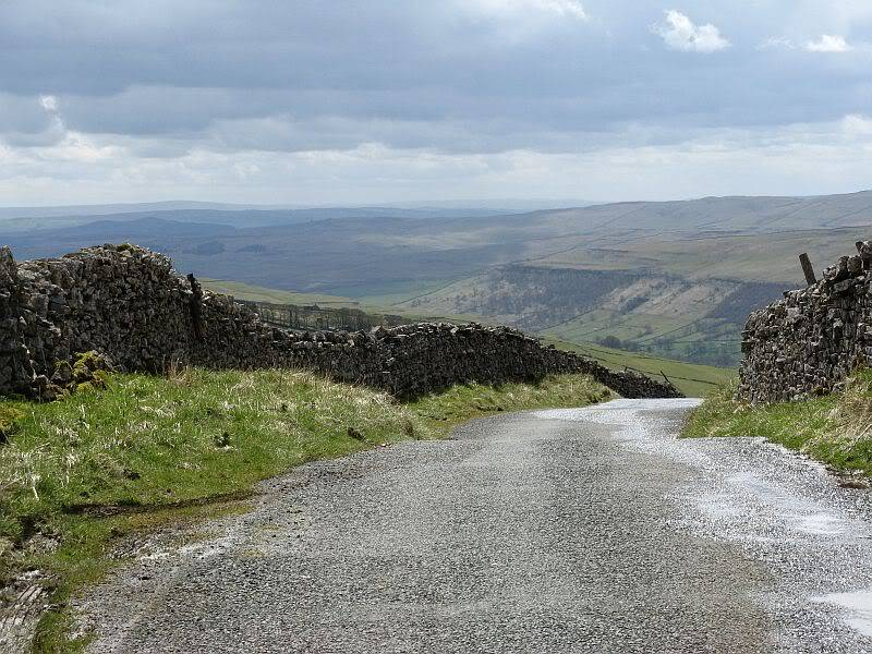 TOR DYKE, above Kettlewell, North Yorkshire SD 978 755.  HER NO: MYD4145 IMG_2641