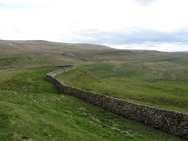 TOR DYKE, above Kettlewell, North Yorkshire SD 978 755.  HER NO: MYD4145 IMG_2649