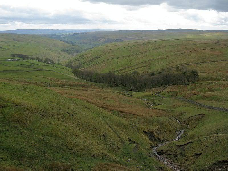 TOR DYKE, above Kettlewell, North Yorkshire SD 978 755.  HER NO: MYD4145 IMG_2655