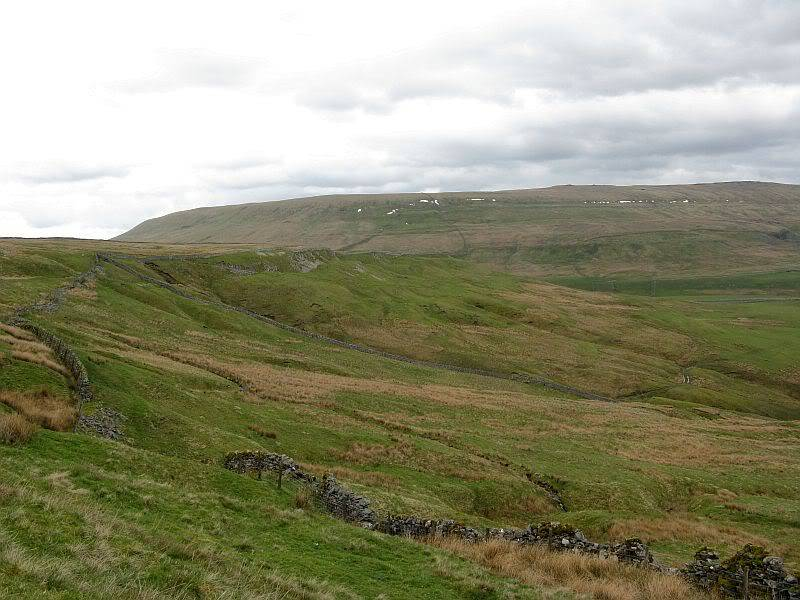 TOR DYKE, above Kettlewell, North Yorkshire SD 978 755.  HER NO: MYD4145 IMG_2714