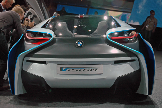 BMW i8 Vision Efficientdynamics prototype WIP using Autodesk Maya 08-bmw-vision-efficientdynamics-live