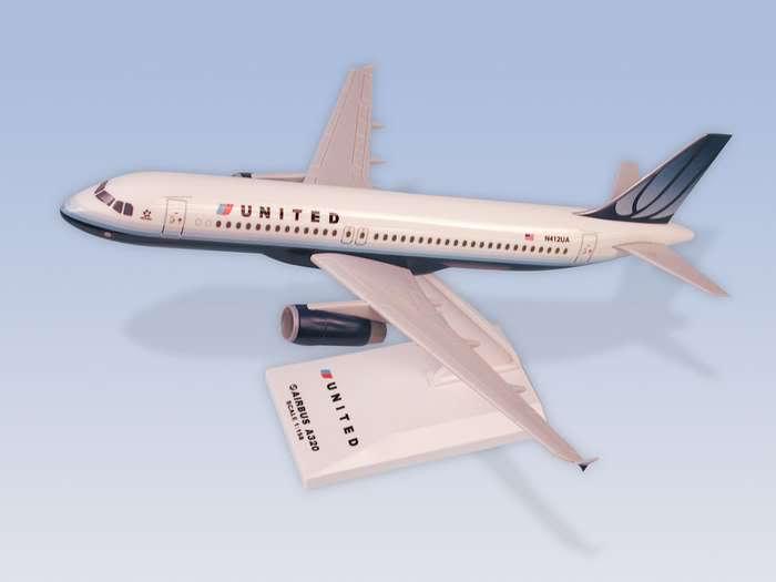 Vand machete avioane civile (multe raritati) A320United