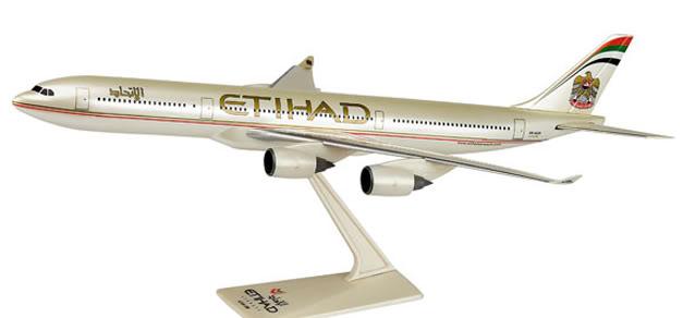 Vand machete avioane civile (multe raritati) A340Etihad