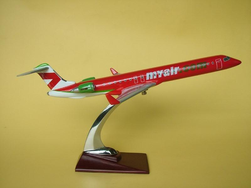 Vand machete avioane civile (multe raritati) - Pagina 2 CRJ900MyAir2