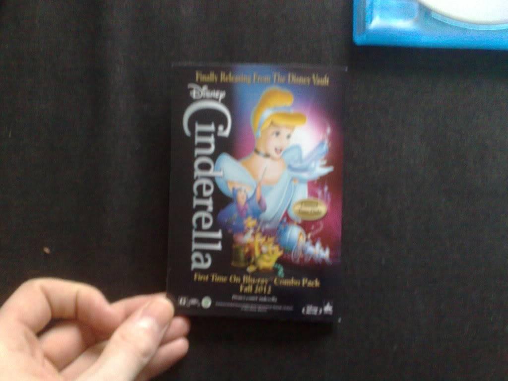 [BD + DVD] Cendrillon (26 septembre 2012) - Page 4 201201251352