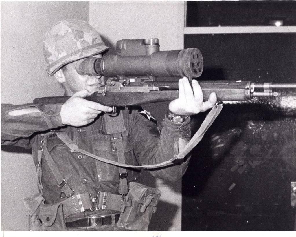 Cherche renseignements sur  lunette pour M14 M14Starlight