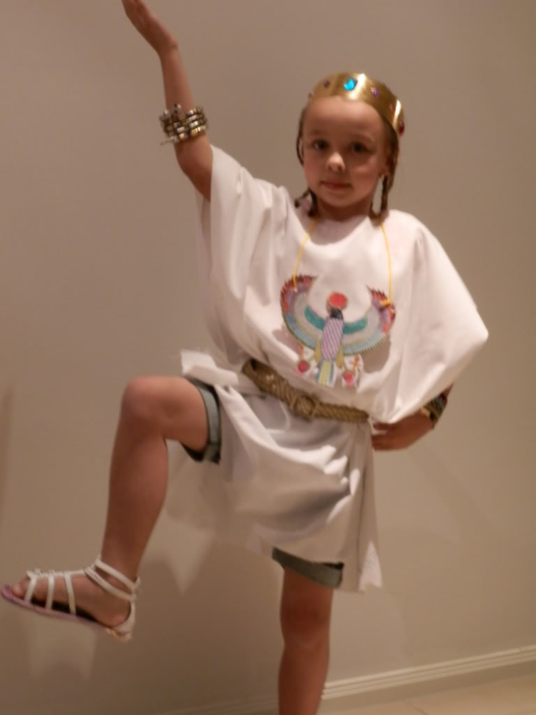 My little Cleopatra at her school concert 0042