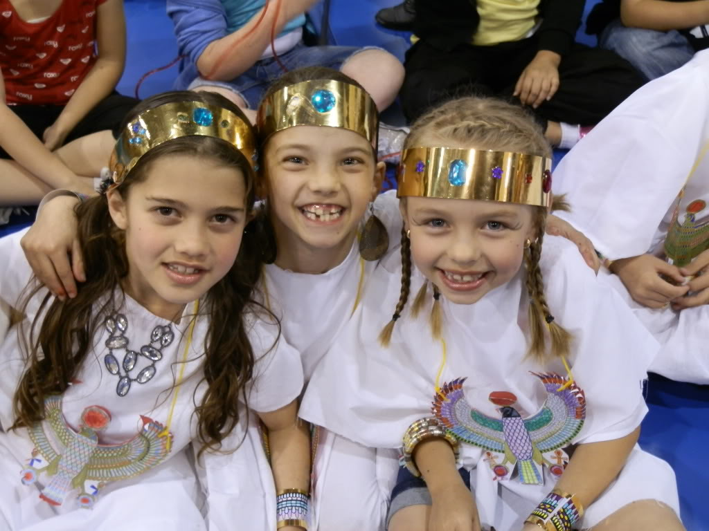 My little Cleopatra at her school concert 005-3