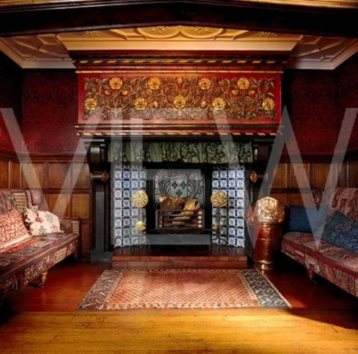 ARTS AND CRAFTS  - Página 2 22gransalon_NT_20881_The_blue_tiled_inglenook_fireplace_with_stone_manetlpiece_in_the_Great_Parlour_at_Wightwick_Manor_A_