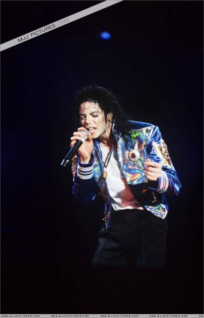 HISTORY TOUR  HIStory-Tour-michael-jackson-877-46
