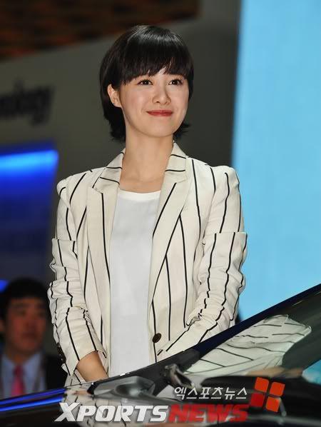 [Photo] Hye Sun tại buổi ra mắt Toyota - Page 3 1301546144683
