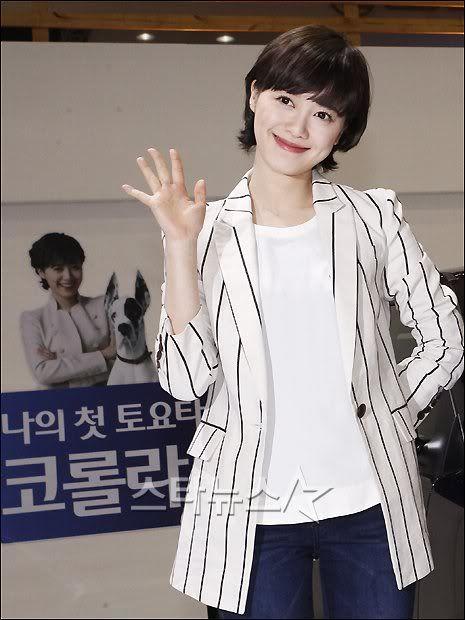 [Photo] Hye Sun tại buổi ra mắt Toyota - Page 3 2011033114211900664_1