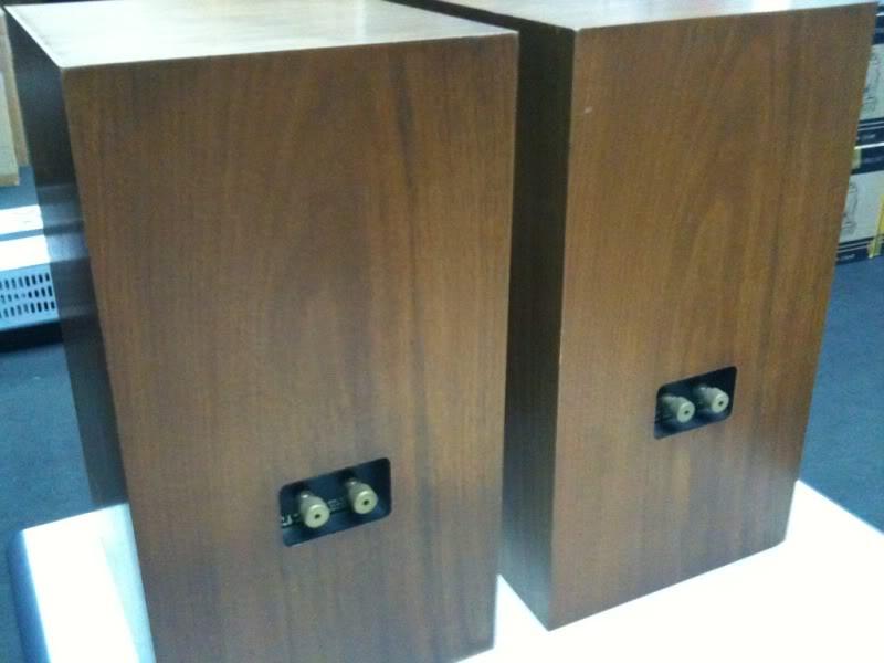 ATC SCM 20 bookshelf speaker.Non bi-wire (used) 60e3eace
