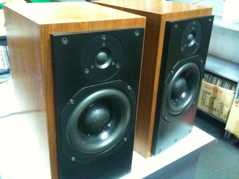 ATC SCM 20 bookshelf speaker.Non bi-wire (used) D31bd3cf