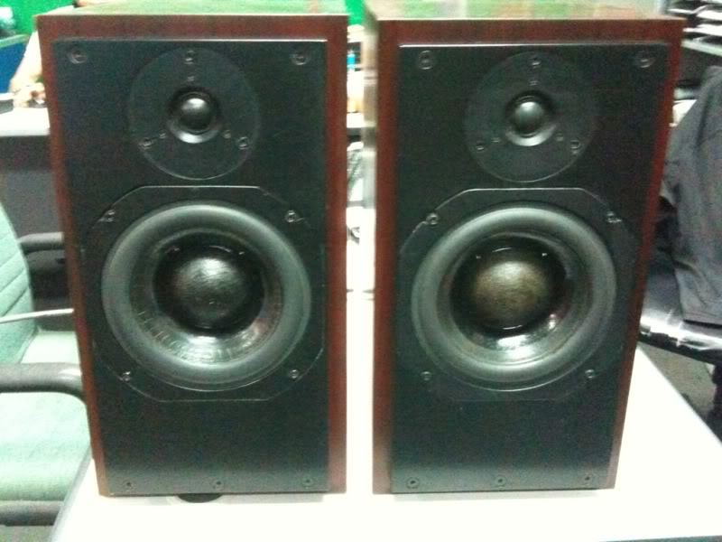 ATC SCM 20 bookshelf speaker.Non bi-wire (used) F1f9902a