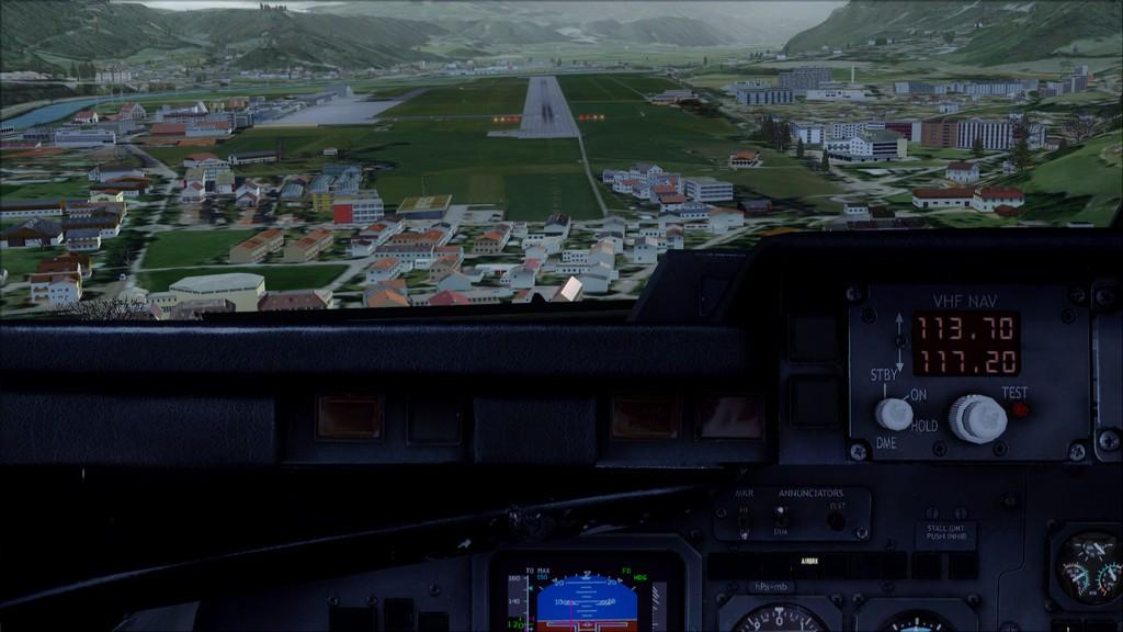 Euro Wings RJ85->EDDL-LOWI EDDL-LOWI18