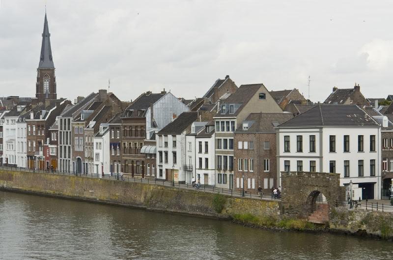 Ryanair-> Maastricht/EHBK - Bari/LIBD Maastricht1