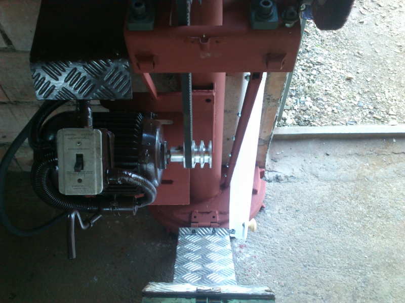 Belt Grinder & Tocilo - mungos DSC_0102_zps5056660c