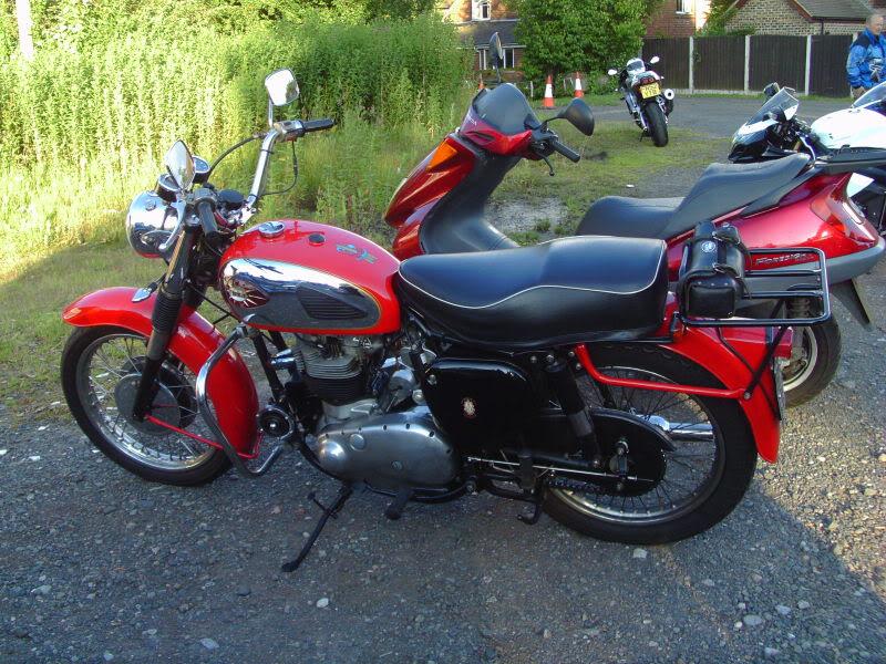 Bike meet near Bridgenorth...some lovely LC's! IMAG0331