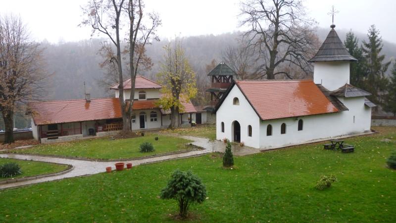 crkve,manastiri....ostali relig.objekti - Page 21 P1000593_zps2c5f1734