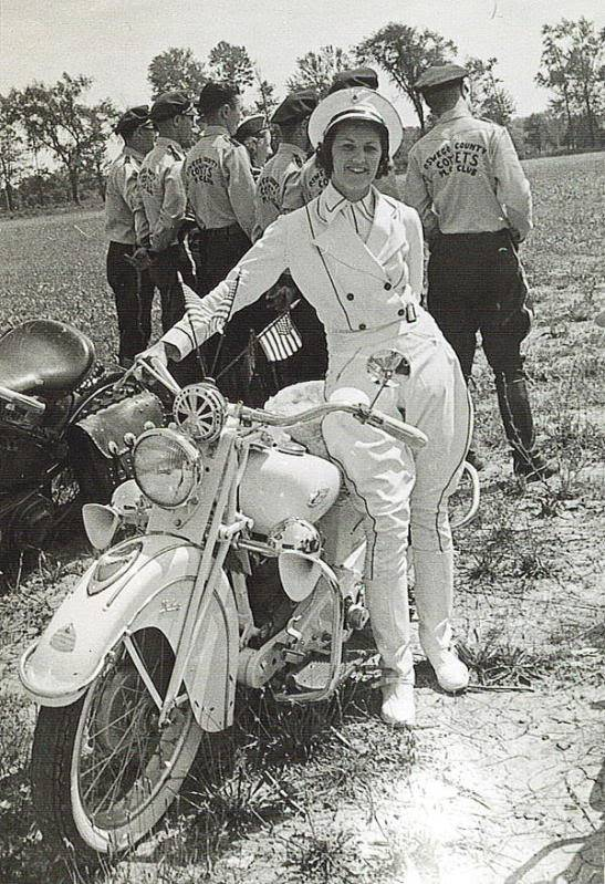 Old pics - Page 4 Louise_Motorcycle