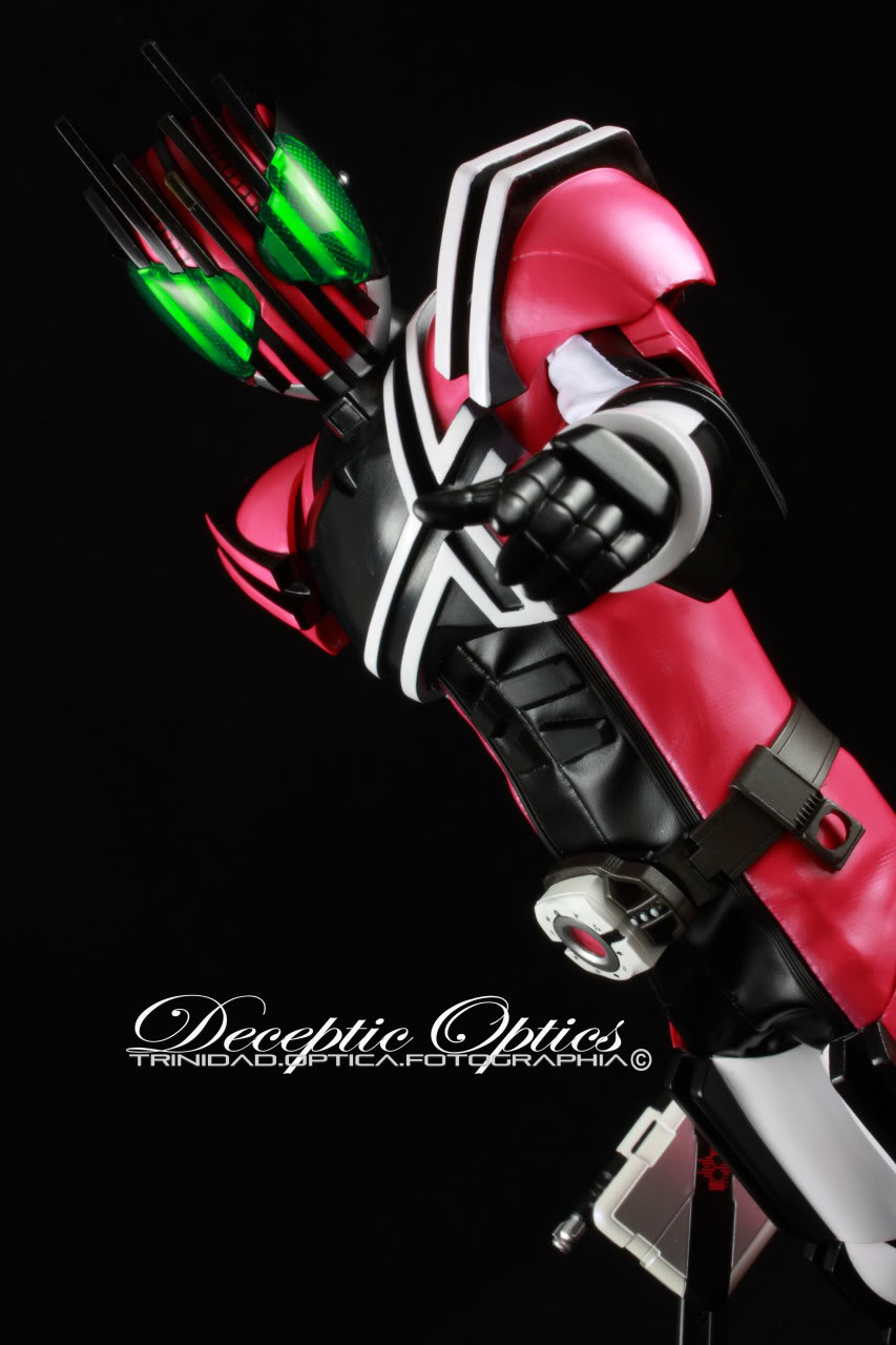 Deceptic Optics Toy Photography C08f8ad7