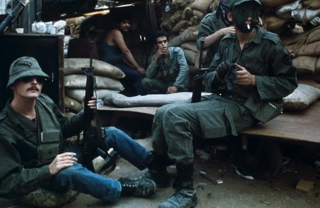 scènes de combat (armée libanaise, palestinien, chrétien...) 42-17242413