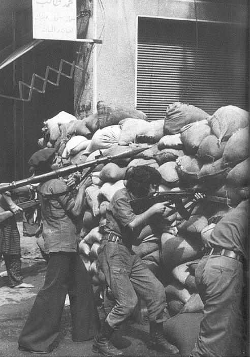 scènes de combat (armée libanaise, palestinien, chrétien...) Civil-war-in-lebanon
