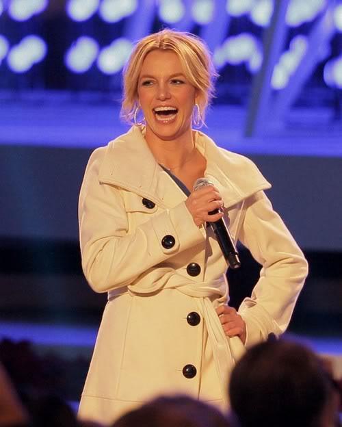 """Liệu Britney có """"tung hoành"""" sân khấu Grammy năm nay? 110115musikgrammyanh1"""