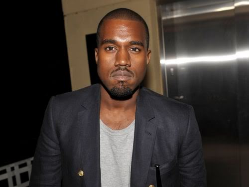 """Sau Taylor Swift, Kanye West lại """"giở trò"""" với Brit 110116musikBritanh1"""