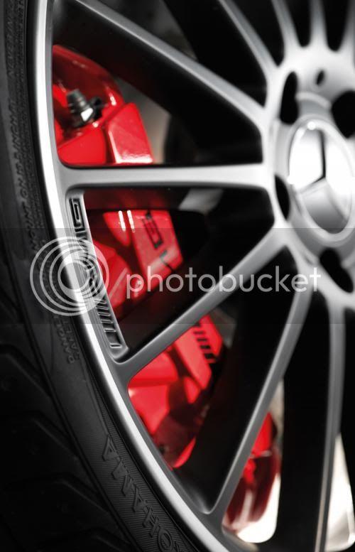 Mercedes C63 AMG Affalterbach có giá 81.500 USD 1295068724-oto-xemay-C63-AMG-5