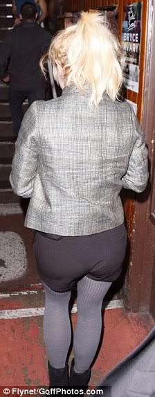 Britney Spears không có lược chải tóc? 12a6