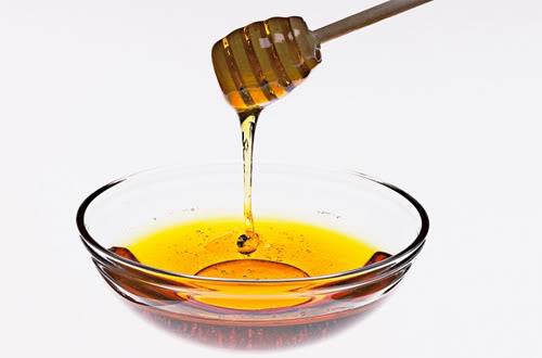 Những chiêu làm đẹp từ mật ong 1300425817-mat-ong1