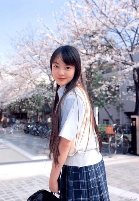 Ngắm nữ sinh Nhật đẹp rạng ngời với đồng phục  26