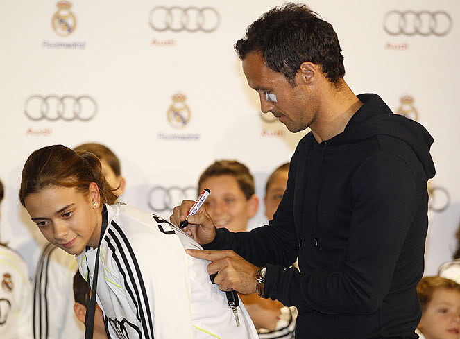 Dàn xe Audi mới cáu cạnh của Mourinho, Ronaldo, Kaka...  3-1