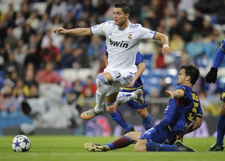 C. Ronaldo lập kỷ lục số bàn thắng năm 2010 94d1a135011d7b