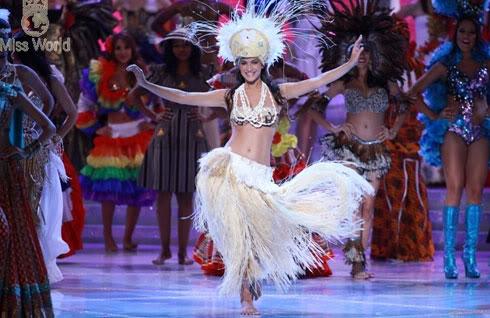 Tin nhanh trong ngày: Hoa hậu Mỹ Alexandria Mills là tân Hoa hậu thế giới  A2-5