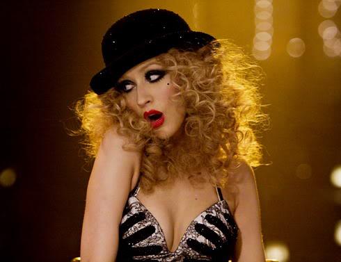 Tin mới: Christina Aguilera múa cột trong phim đầu tay A3-4