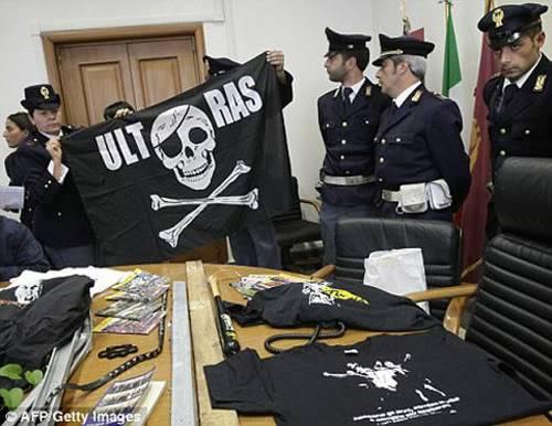 CĐV Liverpool bị chém trên đất Ý Ab1