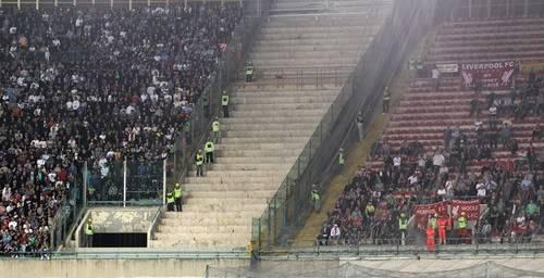 CĐV Liverpool bị chém trên đất Ý Ab2