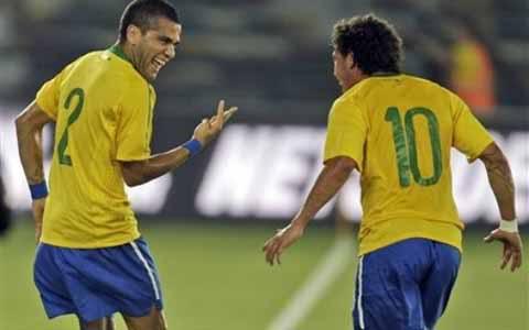Tin tức nhanh bóng đá: Brazil dễ dàng đè bẹp Iran Bra1