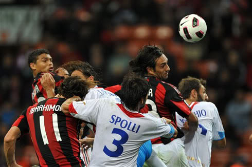 Milan nối dài mạch trận thất thường  Milan1