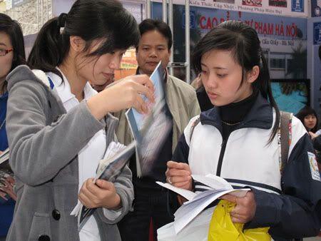 Hà Nội: Vắng ngắt ngày đầu nhận hồ sơ ĐKDT Nophoso