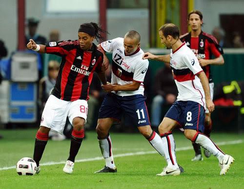 Tin nhanh trong ngày: AC Milan: Ronaldinho sẽ ở lại Rolandinho