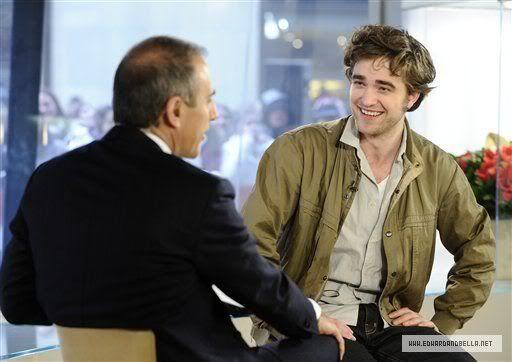 Rob @ Today' s Show... 1er Mars 2010 - Page 2 005xg8qh